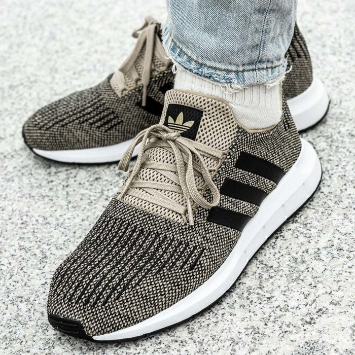 Adidas Swift Run (CQ2117)